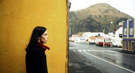 Image illustrating article Sur l'île de Vestmannaeyjar...