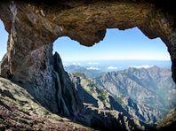 Image de La Corse, beauté sauvage - Une terre de mémoire