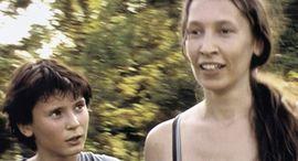 """Image de Emmanuelle Bercot : """"Les gens oublient vite la différence d'âge entre ces deux êtres"""""""