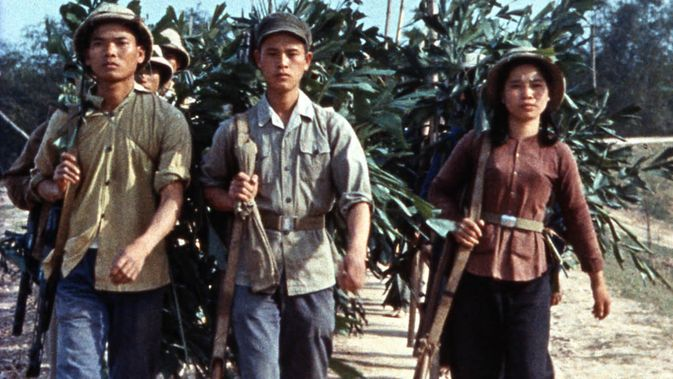 Movie pictures Loin du Vietnam