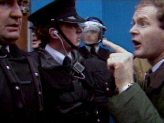 Movie pictures Irlande : L'Aube d'un Pays - Les défis de la paix 2/2